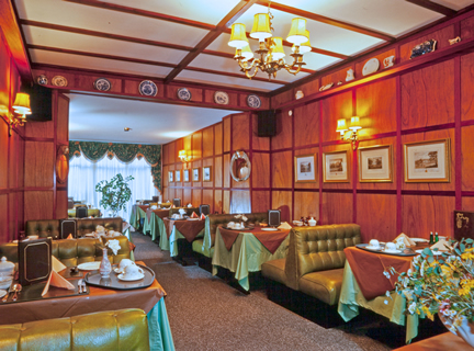 Photo of our sumptuous Dining Room